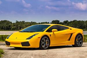 Картинки Lamborghini Желтые Металлик Gallardo Автомобили