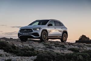 Обои для рабочего стола Mercedes-Benz Камни Белых Металлик CUV GLA 250, 4MATIC, 2020 машины