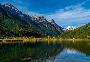Картинка Испания Гора Озеро Лес Pirineos