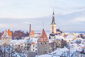 Картинки Таллин Эстония Церковь Зимние Дома Снега город