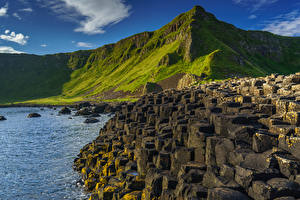Обои Великобритания Побережье Горы Камни Утес Northern Ireland, County Antrim, Giant's Causeway