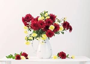 Обои для рабочего стола Хризантемы Букеты Ваза Цветы