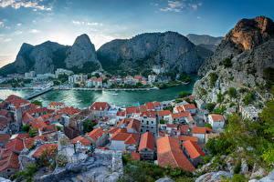 Фотографии Хорватия Гора Здания Крыше Залива Сверху Omiš город