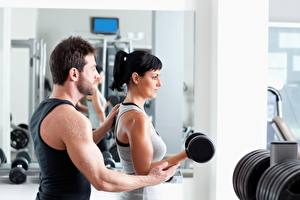 Обои Фитнес Мужчины Спортзале Брюнетка Гантели Физическое упражнение Рука Спорт Девушки