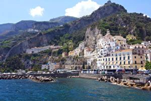 Обои для рабочего стола Италия Амальфи Берег Гора Дома город