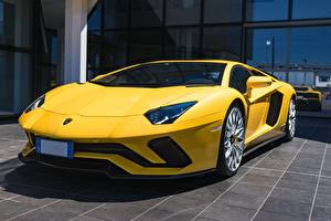 Фото Lamborghini Желтый Купе Aventador S Автомобили