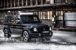 Фотографии Mercedes-Benz G-класс Внедорожник Черных Металлик 2020 Brabus Invicto VR6 Plus ERV Mission авто