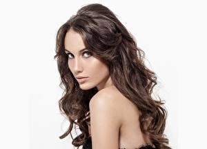 Фото Модель Шатенки Красивые Мейкап Волосы Взгляд Девушки