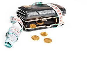 Картинки Деньги Монеты Белом фоне Бумажник Мерная лента