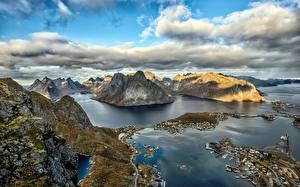 Фотография Норвегия Лофотенские острова Горы Небо Облака Сверху Залив Природа