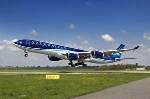 Фотография Самолеты Пассажирские Самолеты Airbus Взлетает A-340-500