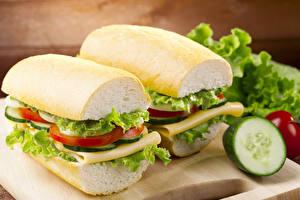 Фото Сэндвич Хлеб Овощи Крупным планом Двое Еда
