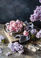 Картинка Сладкая еда Сирень Зефир Бабочка Доски Цветы