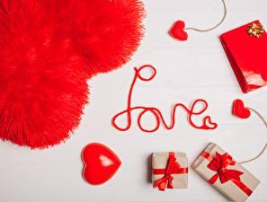 Фотографии День святого Валентина Сердечко Английский Слово - Надпись Подарков