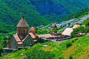 Фотография Армения Гора Монастырь Башни Dadivank monastery Природа