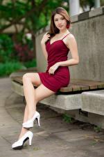 Фотография Азиатки Миленькие Туфлях Ног Платье Взгляд Красивый Девушки