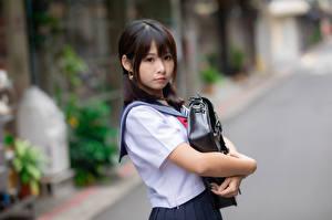 Фотографии Азиаты Школьницы Размытый фон Взгляд Брюнетки молодая женщина