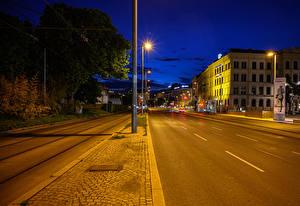 Фотографии Австрия Вена Здания Дороги Ночью Уличные фонари Улице Города