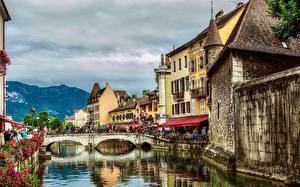 Фото Мосты Здания Франция Водный канал Annecy, Thiou River город
