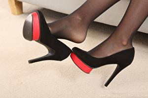 Фотографии Крупным планом Ноги Туфлях Колготок молодая женщина