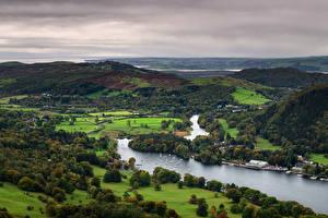 Картинки Англия Река Лодки Холмы Деревьев Сверху Lake District, Gummer's How, Lake Windermere Природа