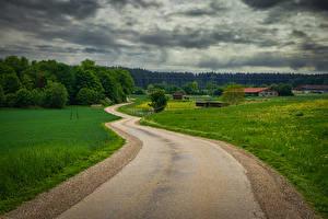 Картинки Германия Дороги Лес Здания Бавария Траве Hausen Природа