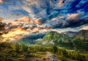 Картинка Италия Гора Небо Пейзаж Облако Альп Деревья HDR Dolomites