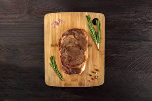 Фотография Мясные продукты Разделочной доске rosemary