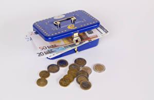 Картинки Деньги Монеты Банкноты Евро Коробка Сером фоне