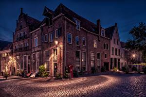 Фотографии Голландия Дома Ночью Улица Уличные фонари Deventer