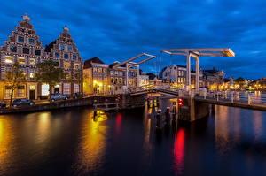 Фотография Нидерланды Здания Речка Мосты Ночь Haarlem, Spaarne, Gravestenenbrug Города