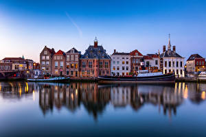 Фото Нидерланды Дома Реки Речные суда Лодки Отражение Maassluis, Maas river город