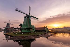 Фотографии Нидерланды Утро Рассветы и закаты Ветряная мельница Заливы Zaanse Schans