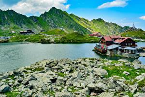 Обои Румыния Гора Озеро Дома Камень Balea Glacier Lake Природа
