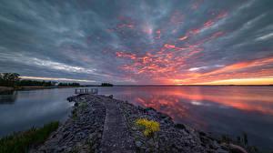 Обои Швеция Озеро Рассветы и закаты Облако Östergötland, Linköping Природа