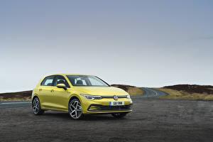 Фото Volkswagen Желтые 2020 Golf Style Автомобили