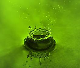 Фотография Воде Капли Брызги Зеленый