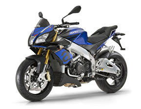 Фото Aprilia Белым фоном 2015-18 Tuono V4 1100 RR мотоцикл