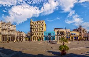 Фото Куба Здания Фонтаны Городской площади Havana