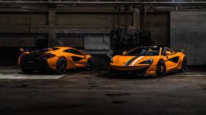Фотография Макларен Двое Оранжевый Родстер 570s машина