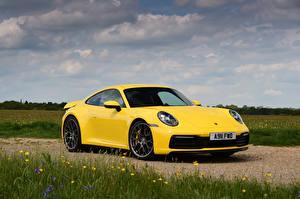 Обои Porsche Желтая 911 Автомобили