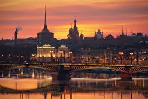 Обои Россия Санкт-Петербург Рассвет и закат Мосты Речка Вечер Neva город