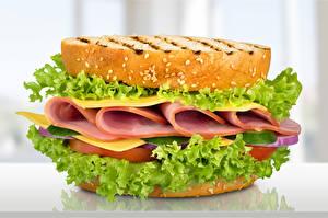 Картинка Сэндвич Хлеб Колбаса Овощи Еда
