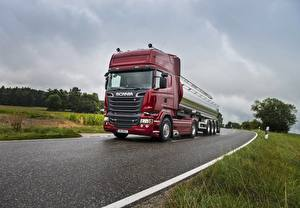 Обои для рабочего стола Scania Грузовики Дороги Скорость R730 машины