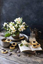 Обои Натюрморт Жасмин Печенье Кофе Капучино Шоколад Книга Кружка цветок