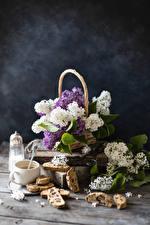 Обои Натюрморт Сирень Выпечка Кофе Доски Ветвь Чашка цветок Еда