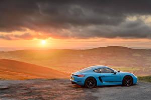 Картинка Рассвет и закат Porsche Сбоку Металлик 718 Cayman