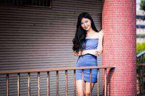 Фотографии Азиаты Брюнетки Платья Улыбка Взгляд Девушки