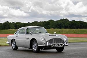 Картинки Aston Martin Серый Металлик DB5 Goldfinger Continuation Автомобили