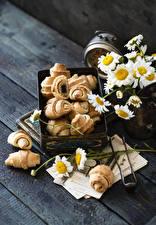 Обои Круассан Ромашки Доски Продукты питания Цветы